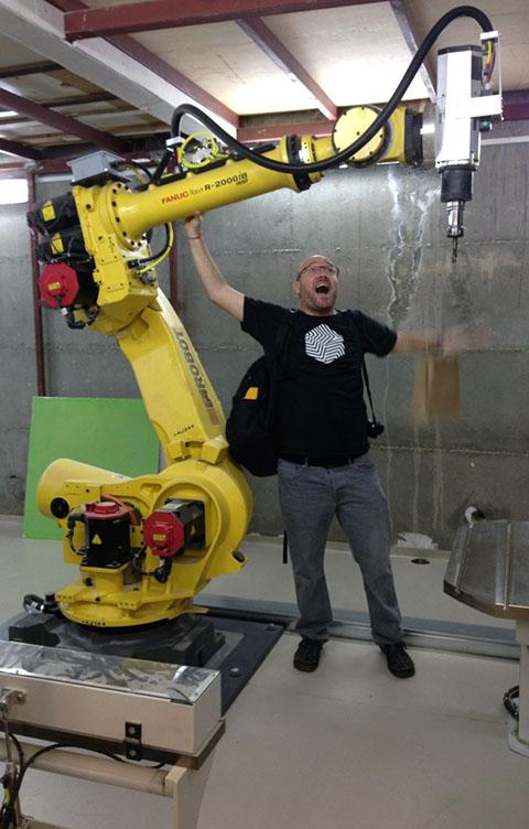 הרובוט החדש במחלקה לעיצוב תעשייתי במרכז פולונסקי לדיגום