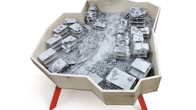 שולחן ׳חאלב נעלמת׳ מוצג בתערוכת הטריאנלה לעיצוב במילאנו